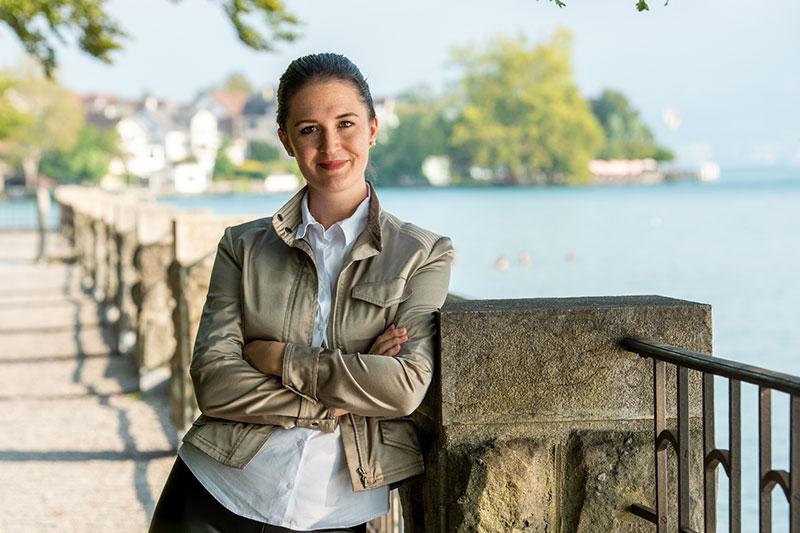 Corinne Brecher – Deine Expertin für Geld & Börse.